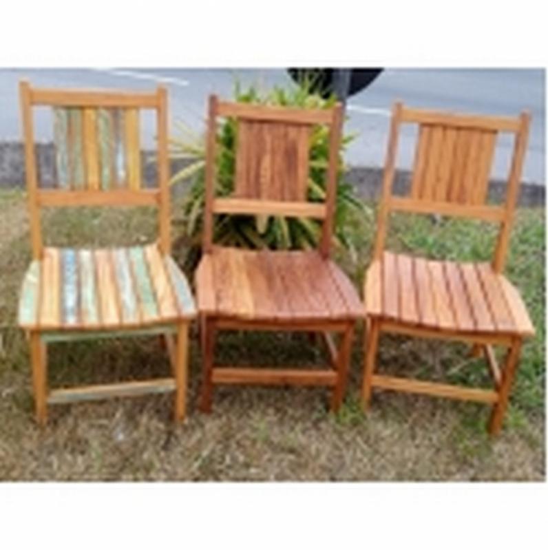 Mesa de Madeira de Demolição Redonda Rústica Jaçanã - Mesa Rústica de Madeira Maciça