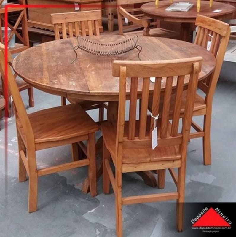 Mesa de Madeira Rústica Redonda M'Boi Mirim - Mesa de Madeira Rústica com Bancos