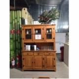 armário de cozinha de madeira rústica