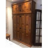 armário de parede em madeira