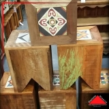 banco alto de madeira Morumbi