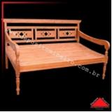 banco alto de madeira