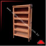 estante de madeira rústica