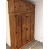 guarda roupa de casal de madeira rústica preço Vila Romana