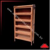 loja de estante livros madeira Liberdade